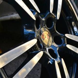 Черный диск Porsche с зеркальной полировкой спиц и обода