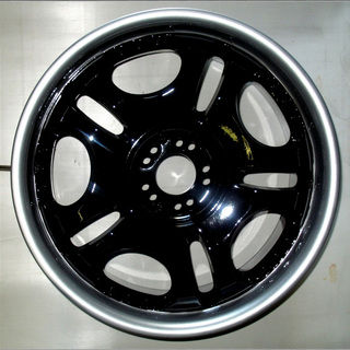 Черно-серебристый диск Toyota