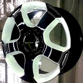 Черно-белые диски Nissan